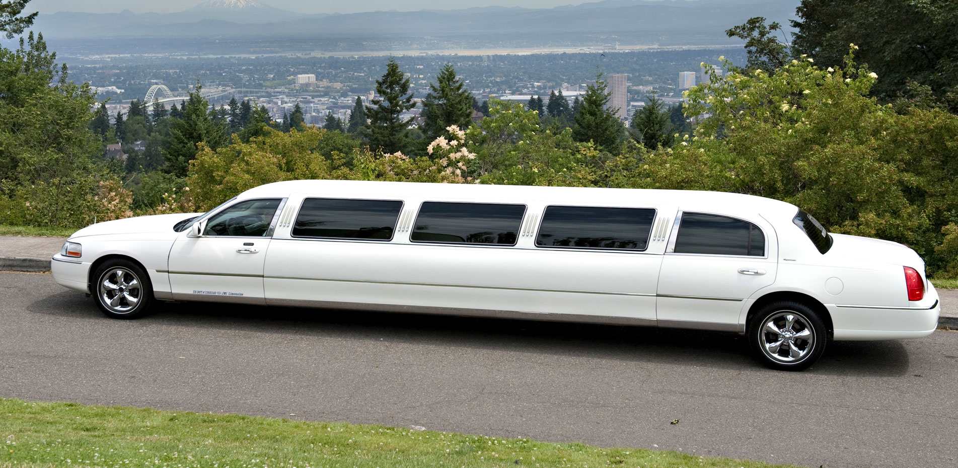 Portland Super Stretch Limo From Jmi Limousine